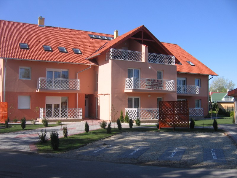 Zamardi apartment outside 2