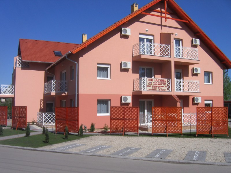 Apartment in Zamardi outside